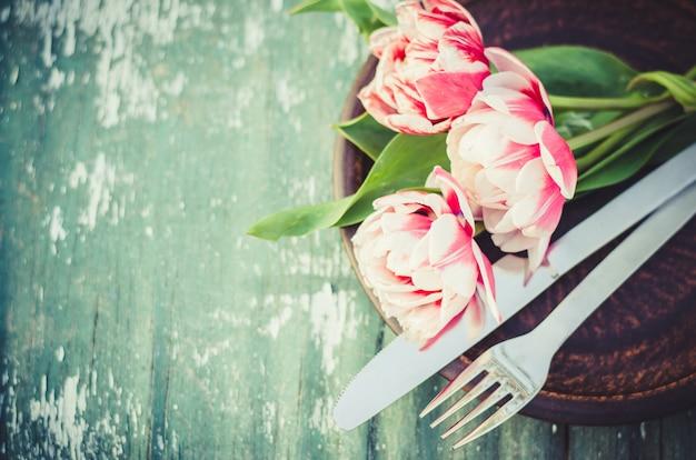 Set de table de fête pour la fête des mères ou l'anniversaire.