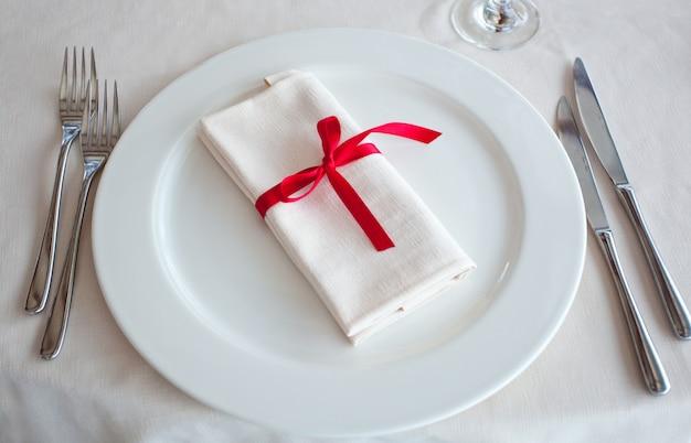 Set de table pour une réception de mariage