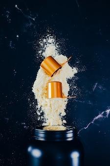 Shake protéiné à saveur de vanille. supplément pour les athlètes de fitness et de musculation.