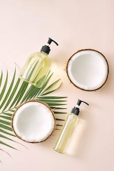 Shampooing et spray soin des cheveux à la noix de coco. masque fait maison de cosmétiques naturels. huile de coco et gommage. spa et bien-être. produits de beauté faits maison. mode de vie sain.