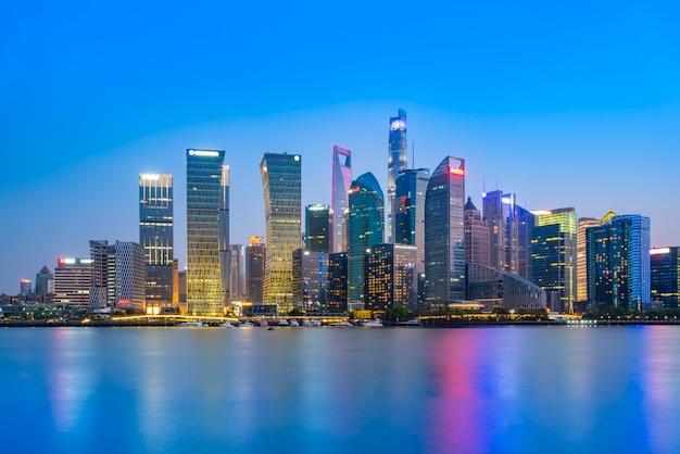 Shanghai le paysage architectural de bund lujiazui paysage nocturne et horizon de la ville