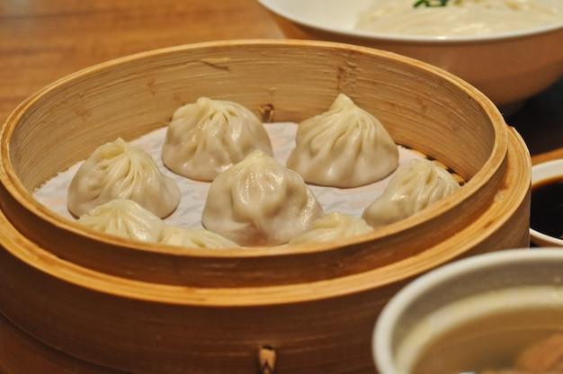 Shanghai petit chignon xiao long bao