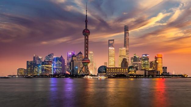 Shanghai skyline et gratte-ciel construction de bâtiments modernes