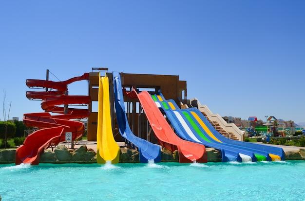 Sharm el sheikh, egypte. la vue de l'hôtel de luxe aqua blu sharm