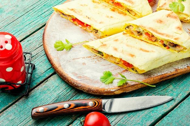 Shawarma au poulet ou rouleau de poulet