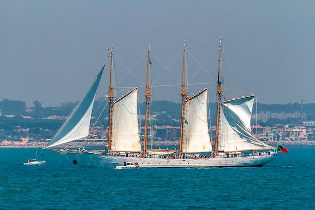 Ship creoula