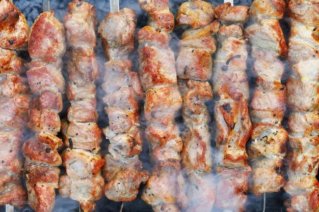 Shish kebab de porc fond de vue de dessus de viande cuite