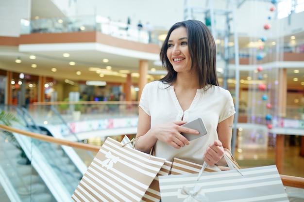 Shopper avec des sacs