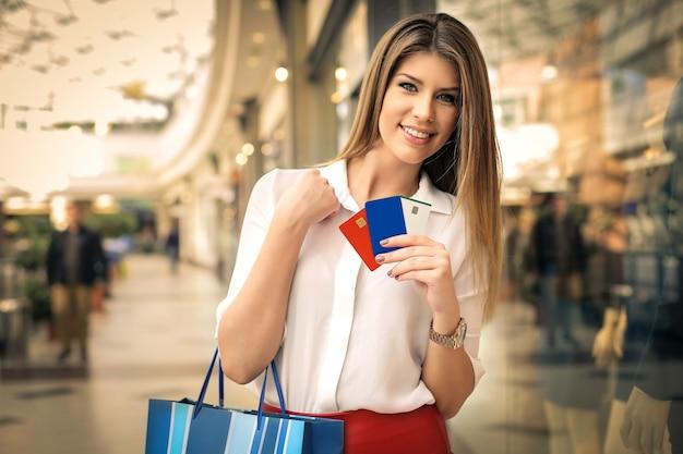 Shopping dans un centre commercial