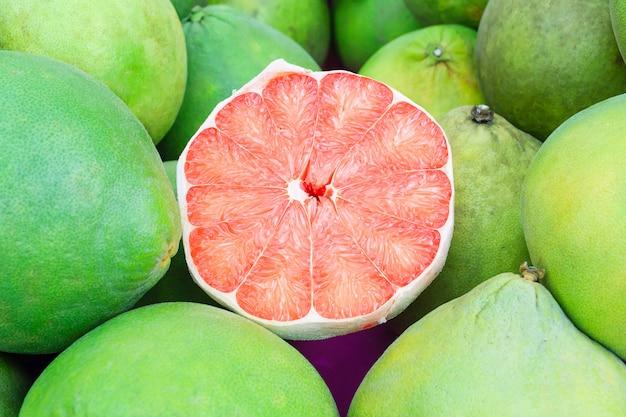 Siam ruby pomelo fruit, le ruby of siam est une race de pamplemousse