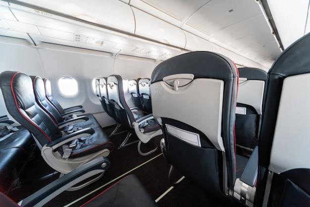 Sièges d'avion et fenêtres