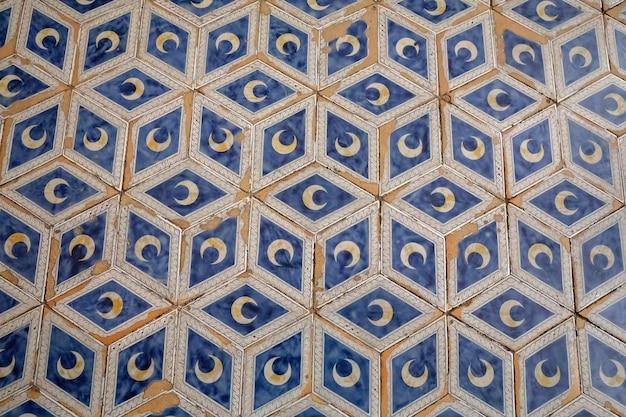 Sienne, italie - 28 juin 2018 : plancher agrandi dans la cathédrale de sienne (duomo di siena) est une église médiévale de sienne, dédiée depuis ses premiers jours en tant qu'église mariale catholique romaine