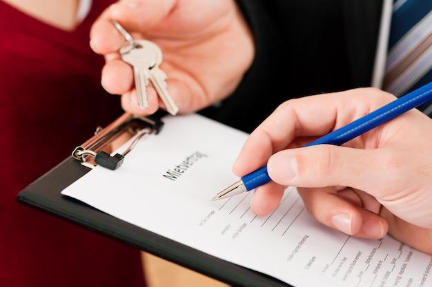 Signature du contrat de locataire
