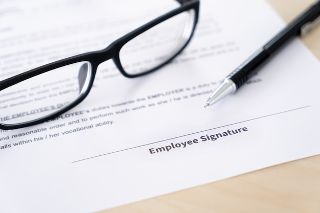 Signature du contrat de travail concept de recrutement
