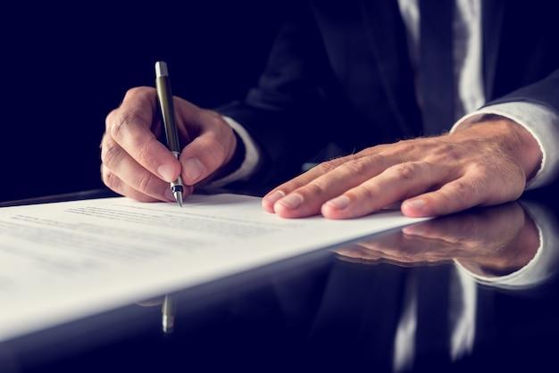 Signature du document juridique