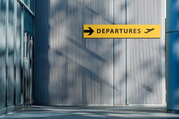 Signe de l'aéroport pour le répertoire des départs.