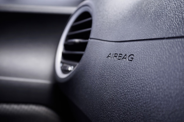 Signe de l'airbag de sécurité dans la voiture