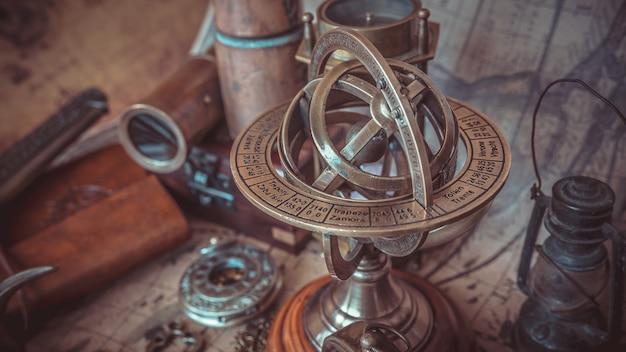Signe du zodiaque armillaire en laiton globe