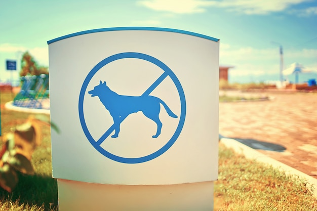 Signe d'interdiction chien