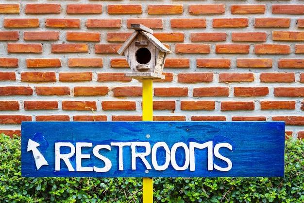 Signe de restaurant, signe de toilette
