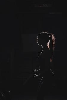 Silhouette, femme, gymnase