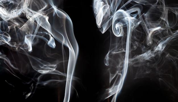 Silhouettes abstraites de fumée