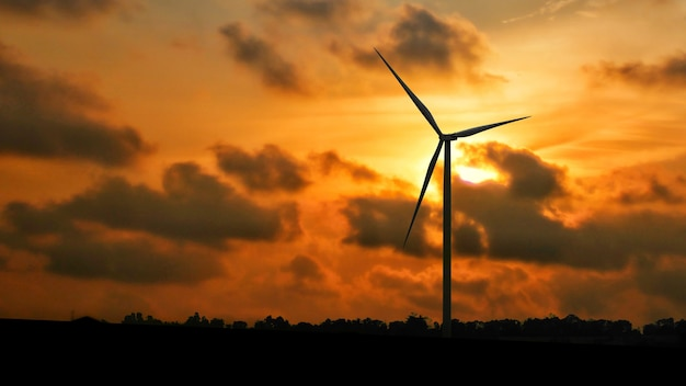 Silhouettes générateurs d'énergie éolienne. production d'énergie renouvelable alternative