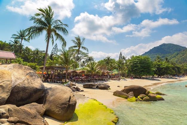 Silver beach sur l'île de koh samui en thaïlande
