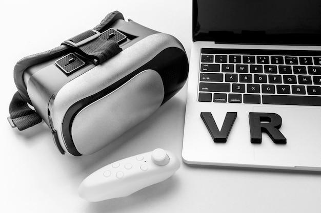 Simulateur de réalité virtuelle vue de dessus avec ordinateur portable