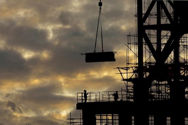 Site de construction de silhouette