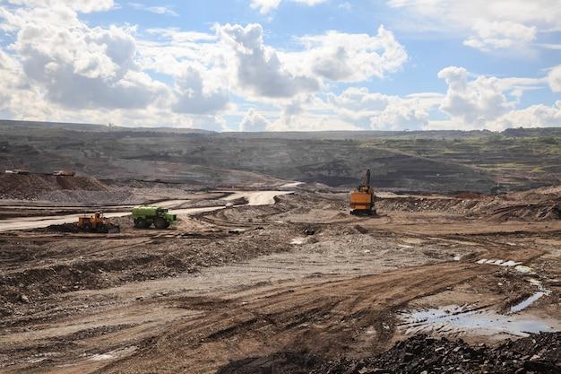 Site de travail à la mine de lignite à lampang, thaïlande.