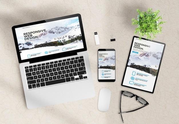 Site web de thèmes de conception réactive sur les appareils vue de dessus de bureau en bois rendu 3d