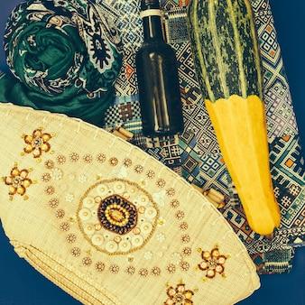 Situé dans un style oriental. ornement et concombre turc