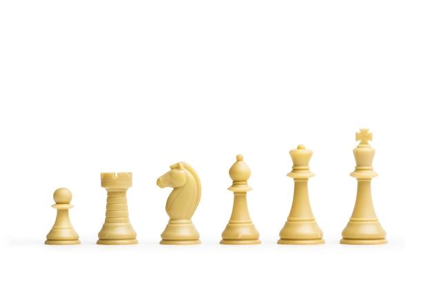 Six pièces d'échecs avec espace copie
