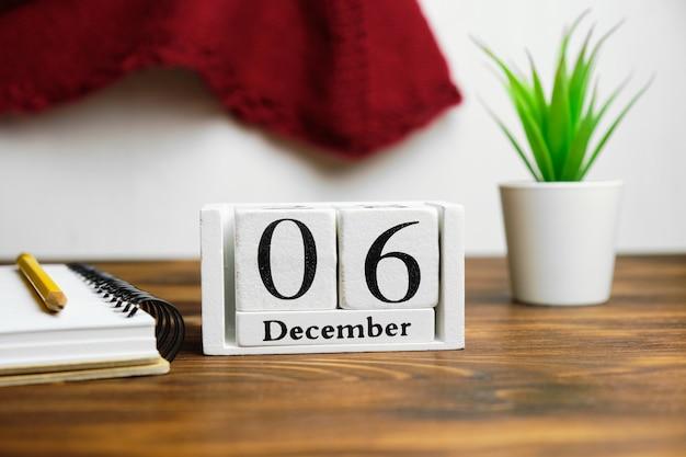 Sixième jour du calendrier du mois d'hiver décembre.