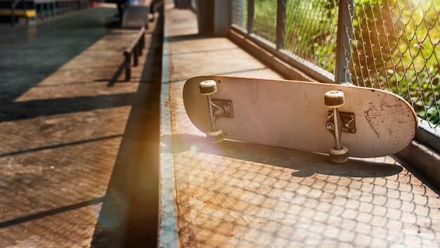 Skateboard skater skating space sport concept de rue