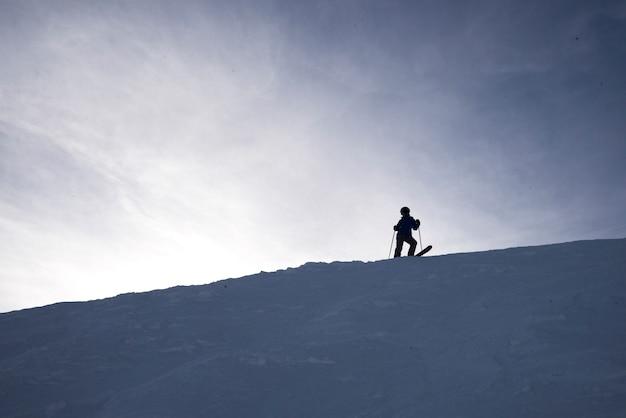 Ski touristique, kicking horse mountain resort, golden, colombie-britannique, canada