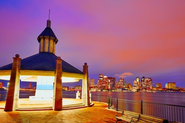 Skyline de boston au coucher du soleil piers park massachusetts