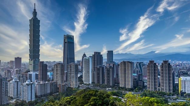 Skyline de la ville de taiwan et gratte-ciel