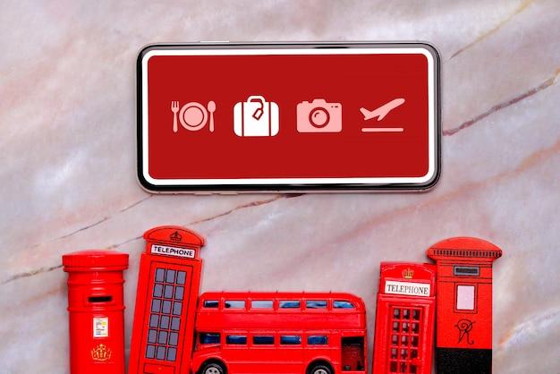 Smartphone, courrier, bus et cabines téléphoniques