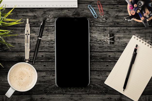 Smartphone avec des outils de bureau