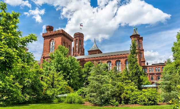 Le smithsonian castle à washington, dc états-unis