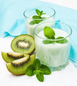 Smoothie kiwi en verre