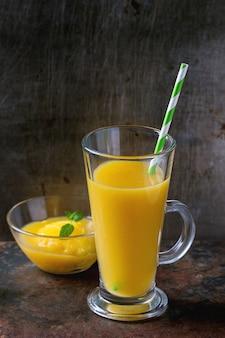 Smoothie à la mangue fraîche