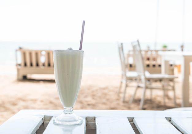 Smoothie à la vanille et aux milk-shakes