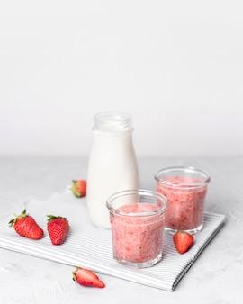 Smoothies aux fraises et au lait