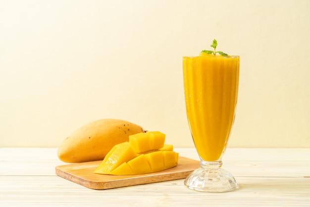 Smoothies à la mangue fraîche