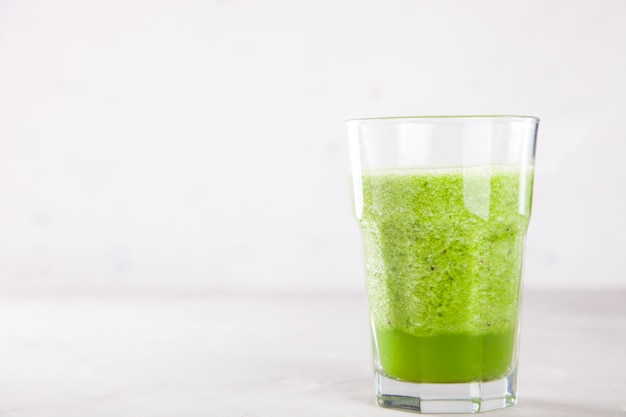 Smoothies vert. cocktail d'été
