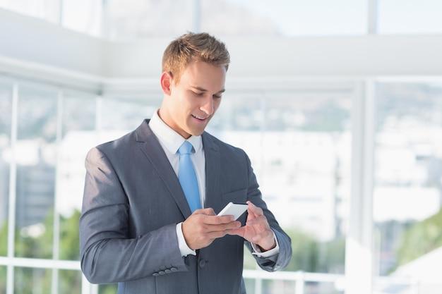 Sms d'affaires avec son smartphone