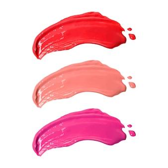 Smudge rouge à lèvres isolé sur fond blanc.